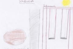 Muzafera (9) Spielplatz mit Schaukel